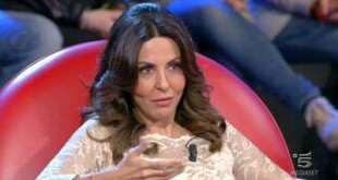 Sabrina Ferilli, aspramente criticata dai fan di amici 13