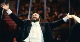Luciano Pavarotti a lui Rai 2 dedica la trasmissione Unici: Un mito semplice
